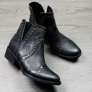Veryvolatile Women's Studded Boots sz 7 1/2 & 8
